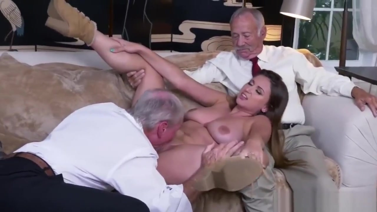 Daddy talk Ivy impresses with her huge boobs and ass Novinha dancando pelada