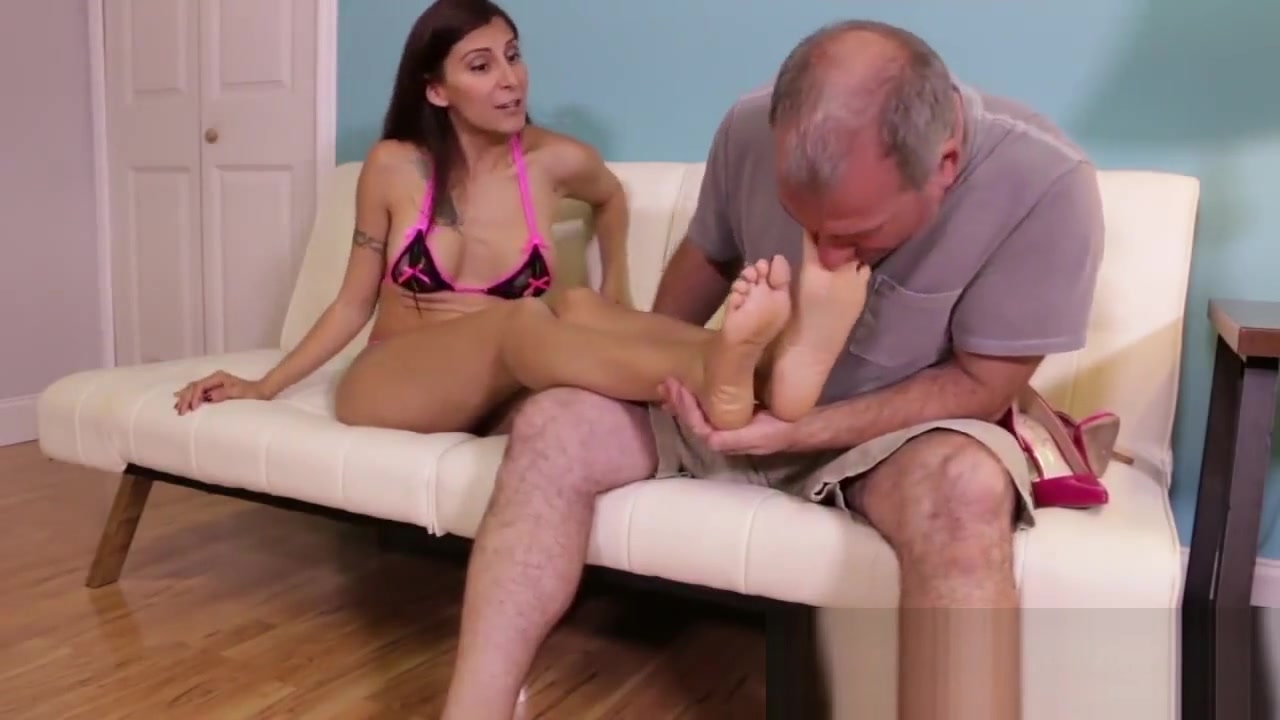 GODDESS JINX FOOTJOB Naked ladies vagina black hot ass