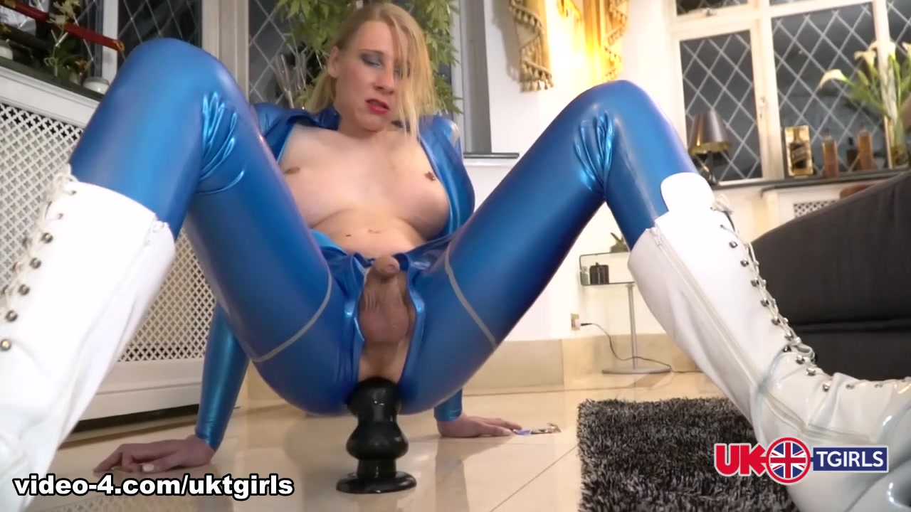 Red Goes Blue - UK-TGirls Fuck pussy in The Bahamas