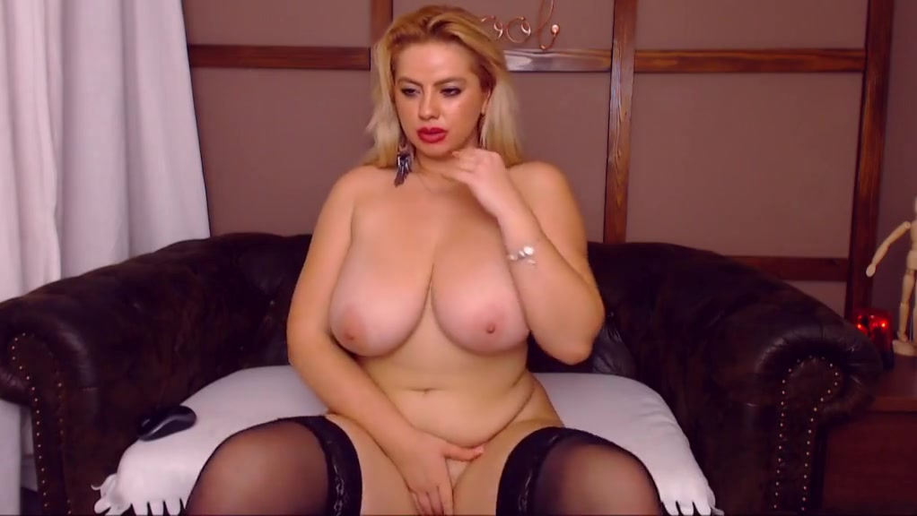 curvy blonde with great tits playing with herself Hot sex hd pic