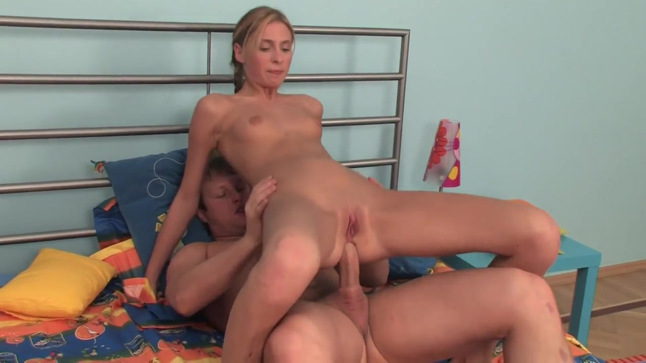 Sticky Cream In Her Anus Tranny thumbnail images