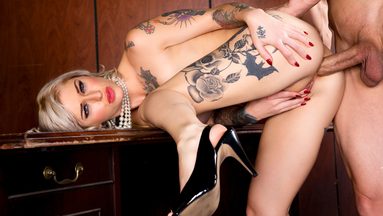 Bruce Venture & Kleio Valentien in Dirty Minds Should i try and get her back