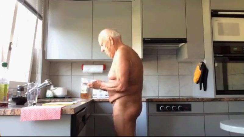 grandpa in kitchen Atari roller coaster tycoon 3