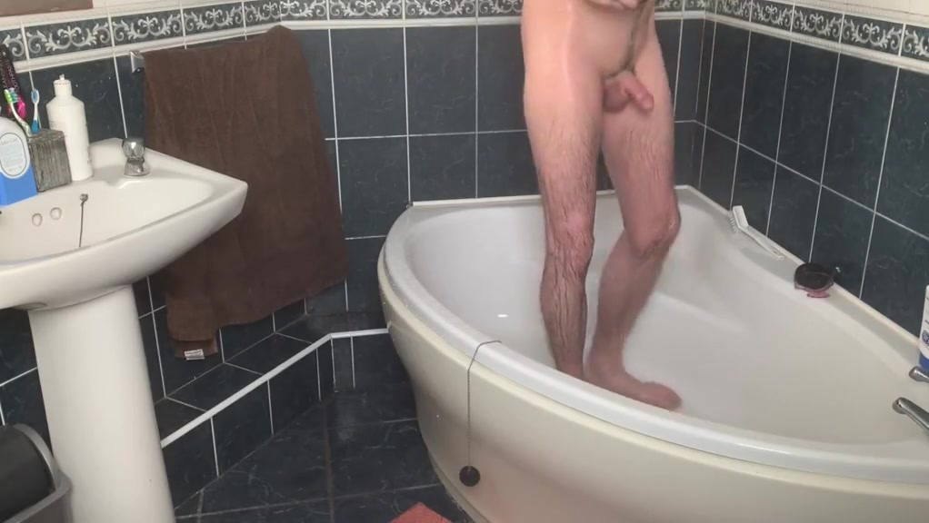 Manscaping in the Shower - Voyeur daffy duck getting blowjob