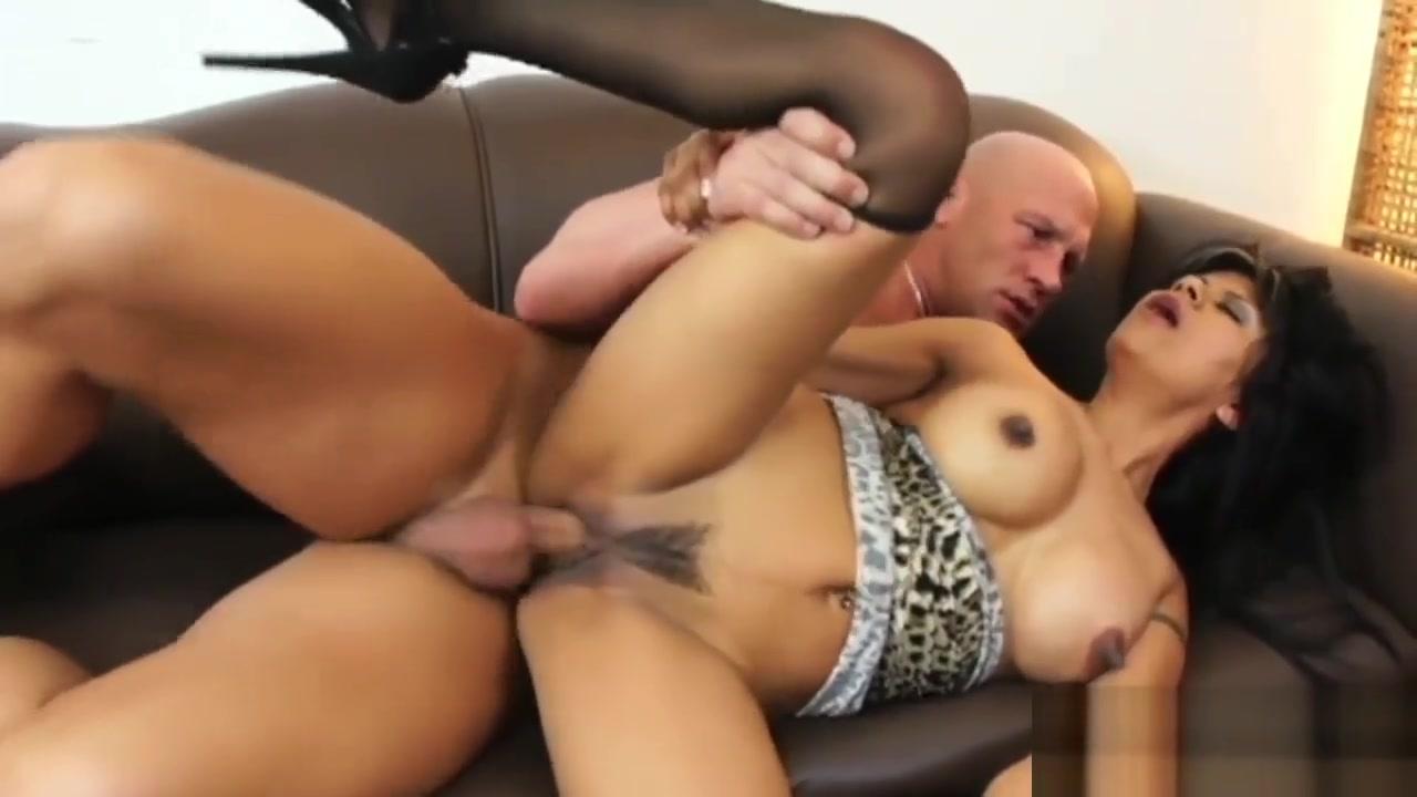 Latina Stunner Pleasures A Massive Meat Pole Mature wife caught masturbating